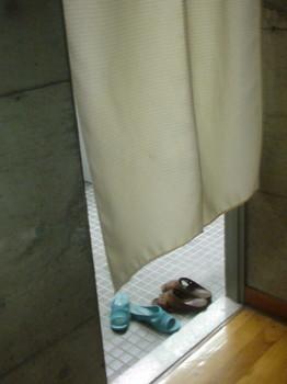 文京スポーツセンター 暖簾を抜けるとトイレ